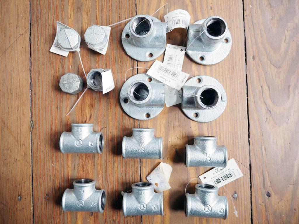 Materialien für DIY Bartisch aus Installationsrohren