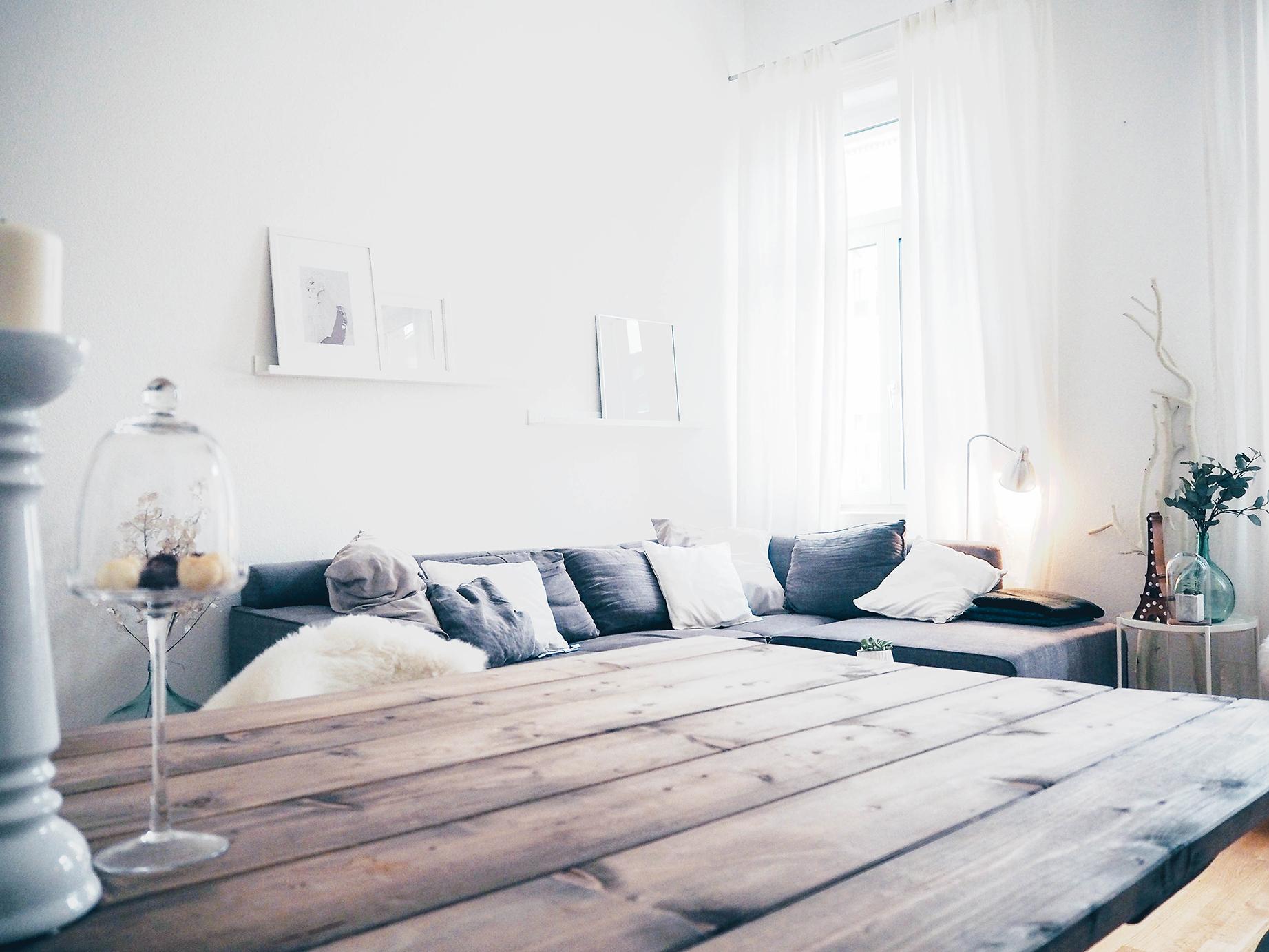 Minimalistisch, klar strukturiert und am liebsten Weiß-Grau: Wohnen wie Kristin