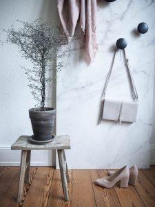 Web_Rebel-Walls-Fokus-Mobile-Wand-tapezieren-Mobile-Garderobe-Lieblings-Blog